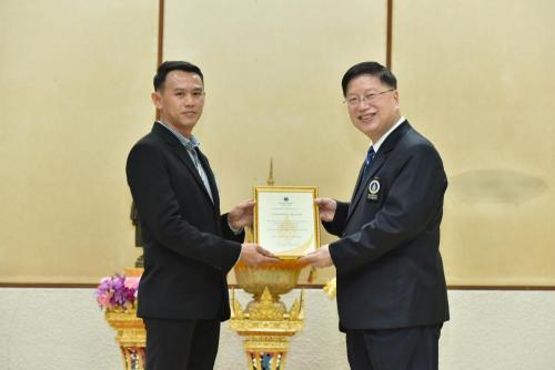 ผู้เข้ารับรางวัลในงาน 49 ปี วันพระราชทานนาม 130 ปีมหาวิทยาลัยมหิดล